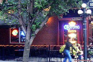 9th & Coles Tavern