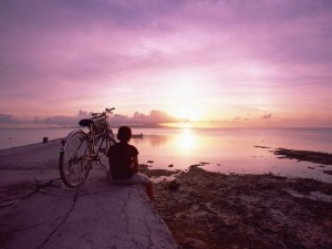 japan-travel--discover-okinawa--alone-on-the-dock-fantasy-beach-in-sunrise-okinawa-island--japan-travel-photos-108437